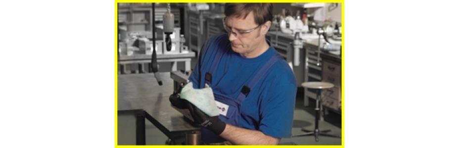 Průmyslové utěrky - potřebný doplněk do autodílen, průmyslu i do lékařských laboratoří! - čisticí prostředky - ekoGRADO